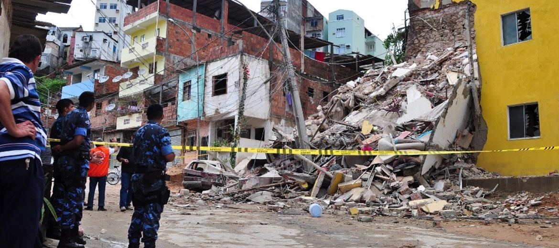 Desmoronamento de Edifícios no bairro do tororo em salvador bahia