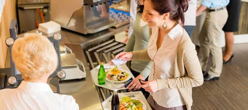 Direito do bancário ao vale refeição e alimentação